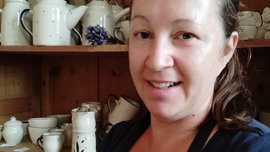 Ivana Snopková z Dolních Dunajovic na Břeclavsku se keramikou živí od roku 2004.