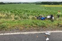 Tragicky skončila havárie motorky a nákladního auta, které se srazily ve středu na silnici 39613uDrnholce.