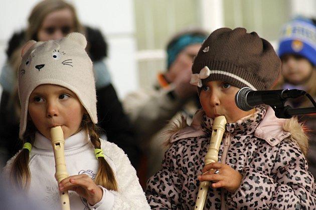 V Mikulově se uskutečnila akce Vánoce pod radnicí.