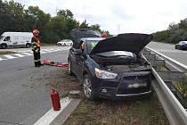 Dálnici D2 u Velkých Němčic ve směru na Brno uzavřela nehoda.