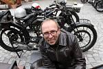 Jízda anglických motocyklových veteránů po Břeclavsku.