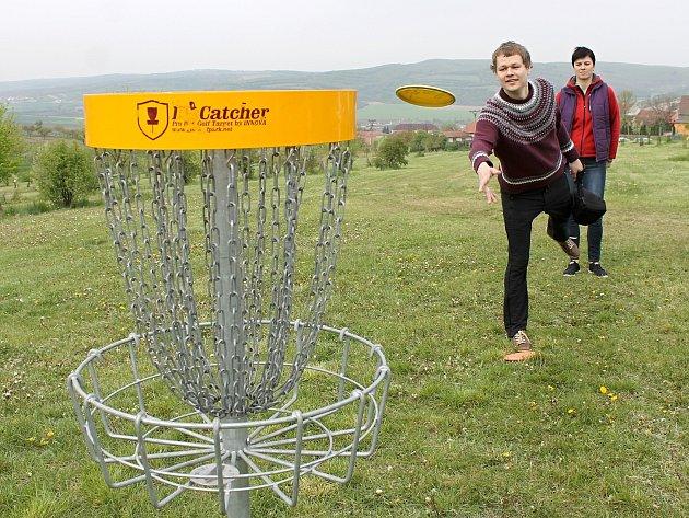 DiscGolfPark mají například i v Kobylí na Břeclavsku.