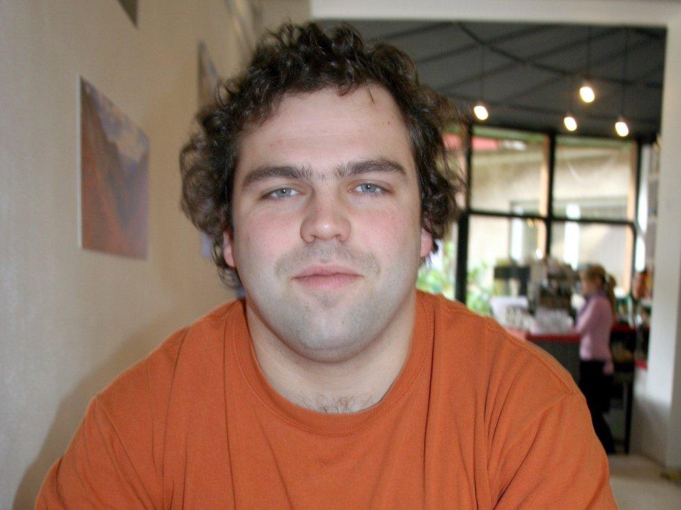 Celosvětové akce Movember se účastní i Břeclavan Jakub Matuška.