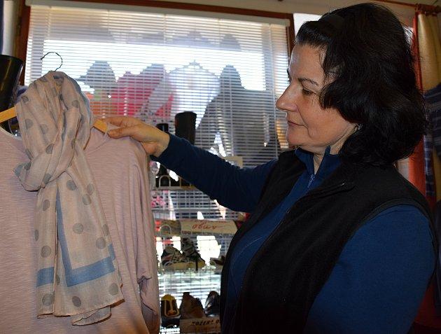 Majitelka obchodu stextilem Darina Tesařová.