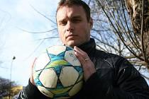"""Pětatřicetiletý Miroslav Pekárek na podzim přemýšlel, zda bude či nebude nadále trenérem Lednice. """"Byly to emoce po neúspěšných utkáních, protože mužstvo neplnilo pokyny, které jsem mu dal,"""" říká Pekárek."""