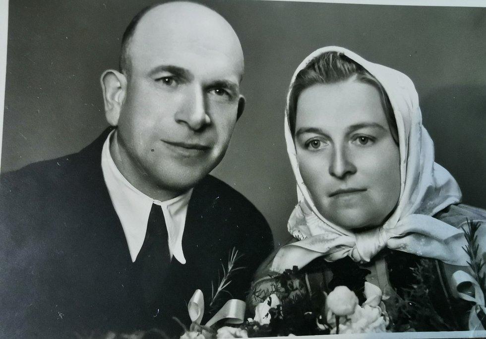 Rodiče Terezie Hrdličkové, kteří v roce 1950 zahynuli při železničním neštěstí.