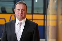 Předseda představenstva společnosti Bors Břeclav Luděk Mikulecký je pátým známým jménem v boji o senátorské křeslo na Břeclavsku. Do podzimních voleb jde jako nezávislý kandidát s podporou TOP 09 a Starostů.