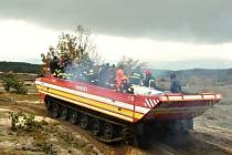 Dobrovolní hasiči ze Staré Břeclavi spolu s dalšími hasičskými jednotkami ze Slovenska bojovali cvičně s rozsáhlým požárem.