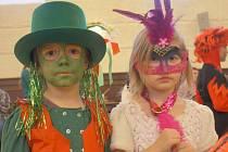Děti v maskách zaplnily mikulovský zámek.