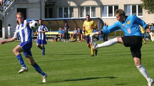 Břeclavští fotbalisté vyprovodili jihlavské béčko čtyřmi trefami.