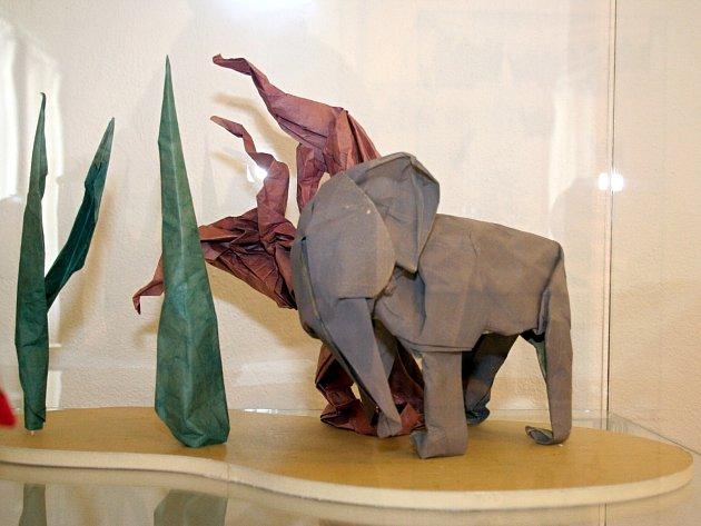 Pobočku Národního zemědělského muzea ve Valticích zaplnily papírové dekorace.
