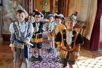 Děti z rakvické školky a přípravného ročníku školy vyrazily na výlet na zámek do Milotic.