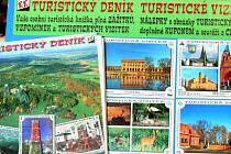 Pohlednice, odznáčky, píšťalky, zvonečky. Samozřejmě s názvem Břeclav. To jsou upomínkové předměty  v Turistickém informačním centru v Břeclavi.