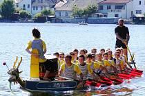 Břeclavští veslaři na 19. ročníku prestižního veslařského závodu Chalupa cup v Jindřichově Hradci.