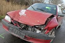 Tři osobní auta se střetla v pátek na silnici mezi Podivínem a Rakvicemi. Kolize Škody Felicie, Fordu Focus a peugeotu ve směru na Břeclav si vyžádala jedno zranění. Došlo k ní krátce před desátou hodinou dopoledne.
