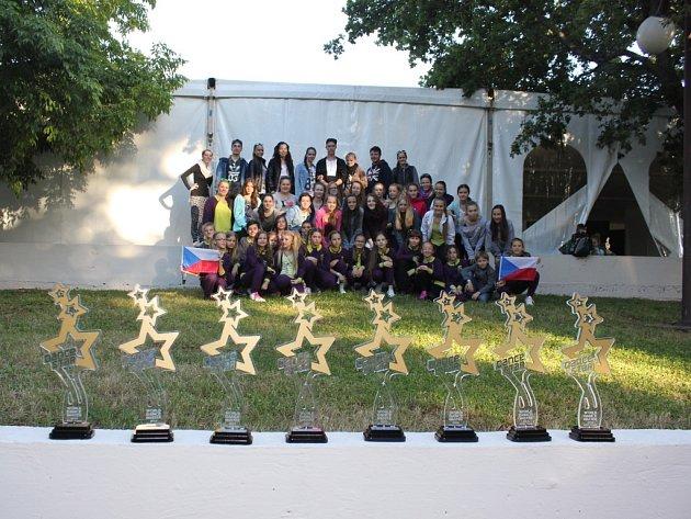 Taneční skupina Actiwity DC si ze soutěže vPoreči přivezla osm trofejí. Mezi nimi ititul mistrů světa.