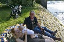 Film Úhoři mají nabito promítnou ve Velkých Němčicích