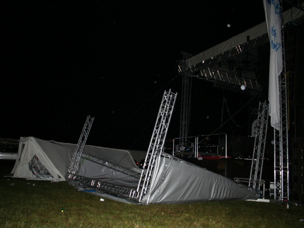 Creamfields: Hvězdy nevystoupily, peníze ale chtějí