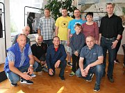 Celkem 124 dárců kostní dřeně dorazilo v sobotu do obřadní síně městského úřadu ve Velkých Pavlovicích. Na akci Vinaři jdou na dřeň. Někteří vyjádřili solidaritu tak, že se ostříhali takřka dohola.