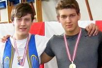 Veslař Jakub Starnovský (vlevo).