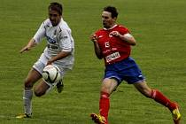 Břeclavští fotbalisté (v bílém) doma nedali Třebíči gól.