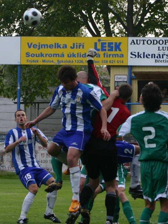 Břeclavští fotbalisté se rozešli s Hlučínem smírně 1:1.