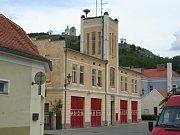 Budova bývalé zbrojnice hasičů v Mikulově.