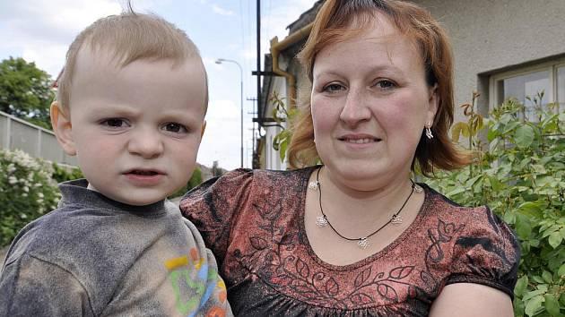 Ilona Kukletová se synem.