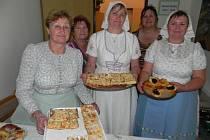 Ženy z Kobylí, které si říkají tetičky, jsou na Břeclavsku známé svým výborným kuchařským uměním. Čerpají především ze starých tradičních receptů.