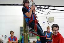 Školáci si mohli vyzkoušet bezpečnost práce.