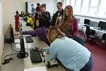 Oborový den nabídl žákům také programování robotického modelu.