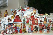 Bezmála čtyřicet betlémů z nejrůznějších materiálů vystavuje Městské vlastivědné muzeum ve Velkých Bílovicích.