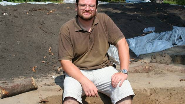 Archeolog Jiří Macháček