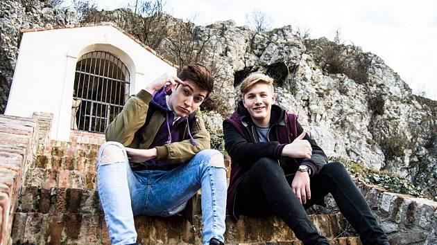 Mladí youtubeři Pimps si na jeden den vykoušeli, jaké je to být bezdomovci.