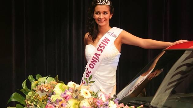 Vítězka soutěže Miss víno Barbora Pleskačová z Velkých Pavlovic.