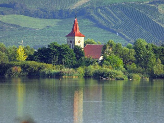 Kostel v Mušově. Ilustrační foto.