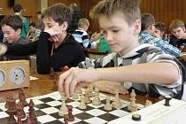 Okresní kolo Přeboru škol v šachu ovládli břeclavští gymnazisté.