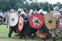K uctění odkazu věrozvěstů Cyrila a Metoděje se v areálu zámečku Pohansko u Břeclavi konal pestrý Cyrilometodějský den. Jeho vyvrcholením byla velká bitva mezi Slovany a Vikingy, do které se zapojilo sedm skupin dobových válečníků.