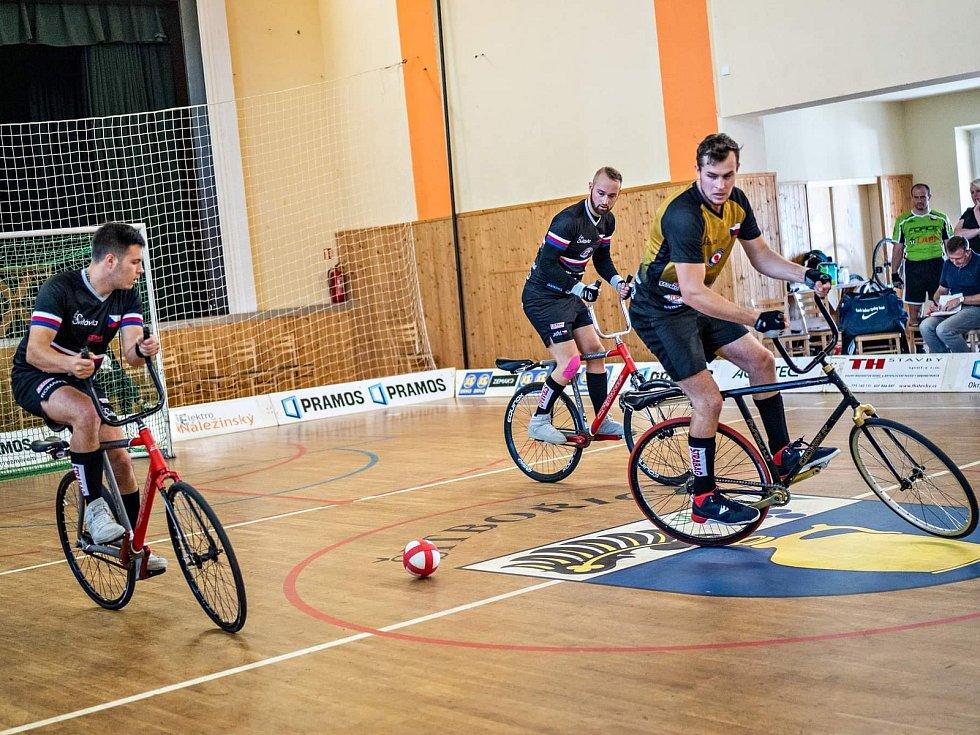 V Šitbořicích se hrál čtvrtý turnaj domácí nejvyšší soutěže v kolové. Vedení v Extralize udržel první tým Svitávky.