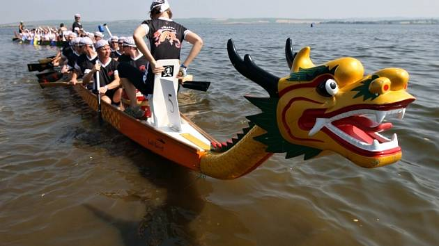 ILUSTRAČNÍ FOTO: Festival dračích lodí.