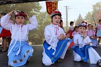 Den lidových řemesel v Moravské Nové Vsi lákal na tradiční jarmark, ukázky řemeslných či rukodělných prací a pestrou paletu hudebních stylů.