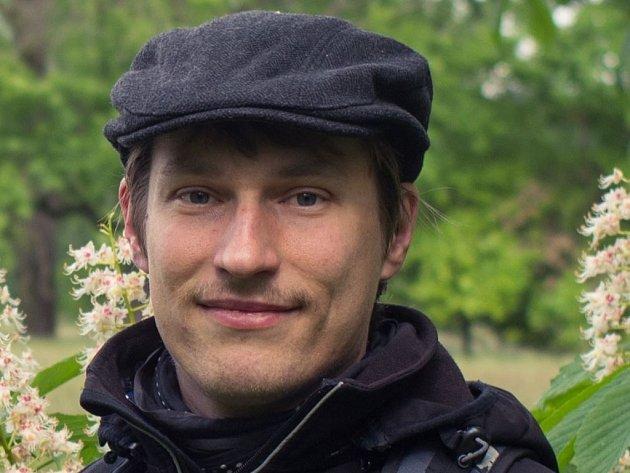 Jiří Dohnal žije vLednici osm let. Krajinářský architekt se věnuje inatáčení krátkých filmů.
