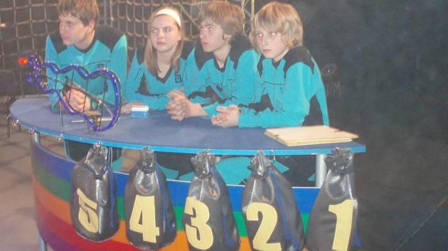 Hned třikrát za sebou vyhráli v televizní soutěži Bludiště žáci základní školy z Velkých Pavlovic.