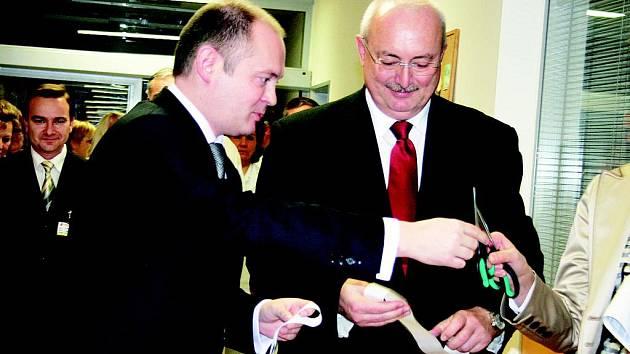 Michal Hašek otevřel v břeclavské nemocnici moderní jednotku intenzivní péče.