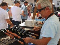 Kulinářský festival Národy Podyjí má za sebou šestnáctý ročník. O víkendu lákalo na mikulovské Náměstí jídlo, hudba, tanec i víno.