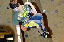 Sportovní lezec Pavel Krůtil v akci.