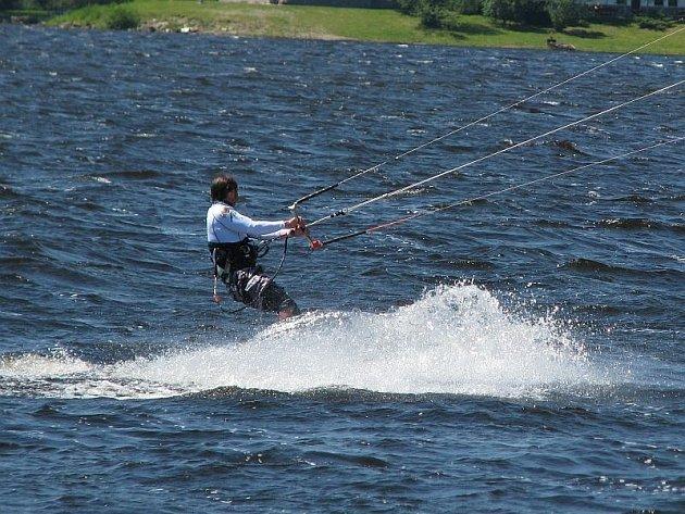 Kitesurfing - ilustrační foto.