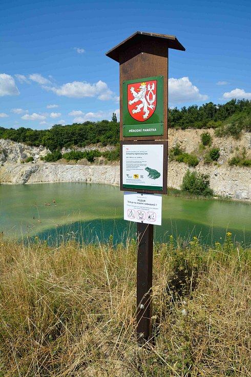 Mikulovský lom na Janičově vrchu.