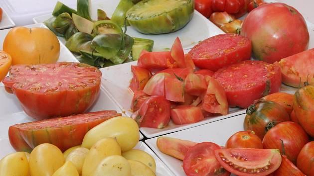 Slavnosti rajčat se konají v uličce u břeclavské synagogy.