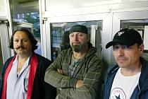 Janulík, Zonyga a Havlín tvořili základ břeclavské kapely DU-BR, která na přelomu milénia slavila úspěchy s rockovými hity kapel Jethro Tull, Deep Purple či AC/DC.